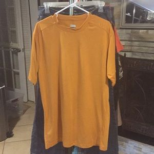 Columbia size XL T-shirt good condition